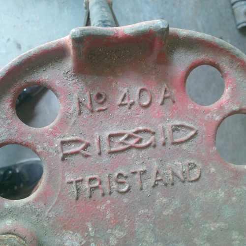 Tripode para tarraja y/o trabajos plomeria marca ridgid 40a