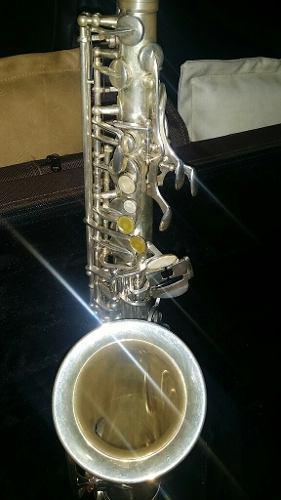 Saxofón Alto Marca Viena Plateado 240 Negociable