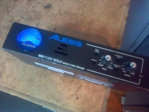 Alesis mictube solo mono tube microphone preamp
