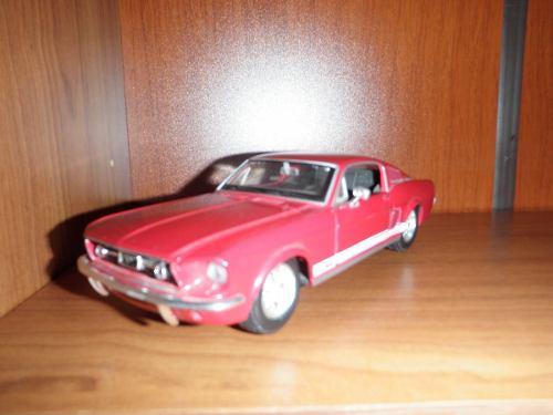 Ford mustang gt 1967 diecast rojo 31260r maisto 1:24