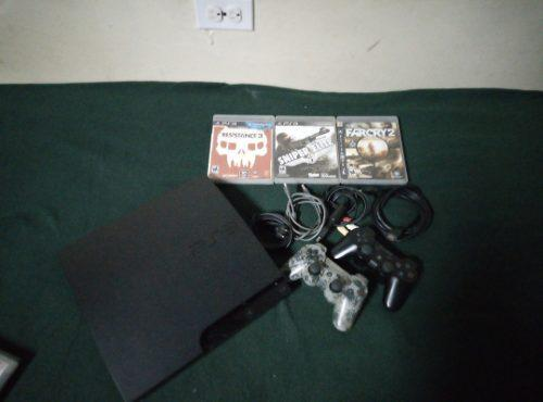 Ps3 slim 250 gb + 10 jugos originales (110 vrds)