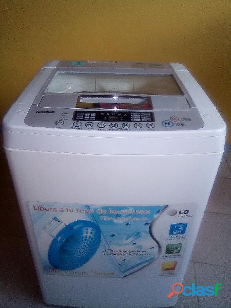 En venta lavadora lg automática de 8..6 kg