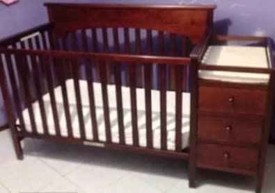 Cuna para bebés de madera fina