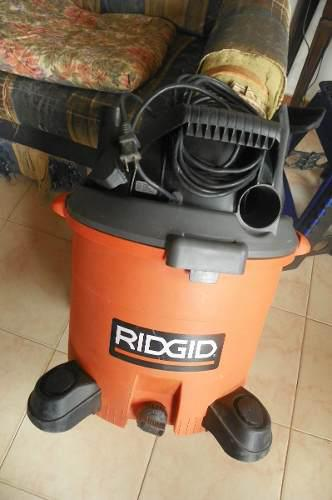 Aspiradora ridgid 12 galones 5 hp. usada