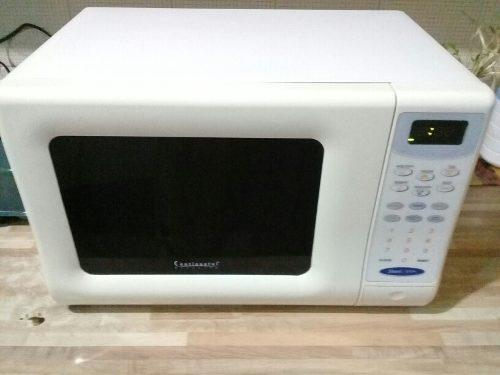 Microonda continental electronic de tablero digital