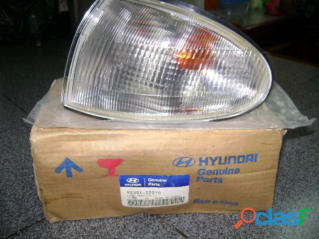 Cocuyo lateral izquiero Hyundai Accent tres puertas Año;1998 2004