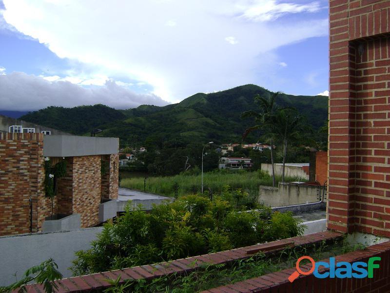 Exclusiva Casa en Altos de Guataparo SDC 436 18