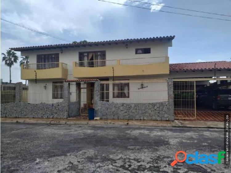 Casa en venta colinas de santa rosa 19-13906