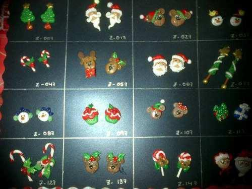 Zarcillos navideños en masa flexible