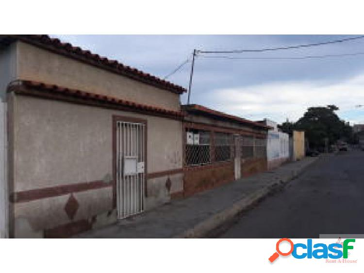 Renta house lara vende amplia casa