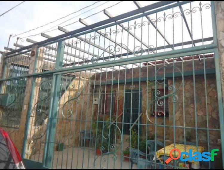 Casa con 4 habitaciones en la puerta rah: 19-17557