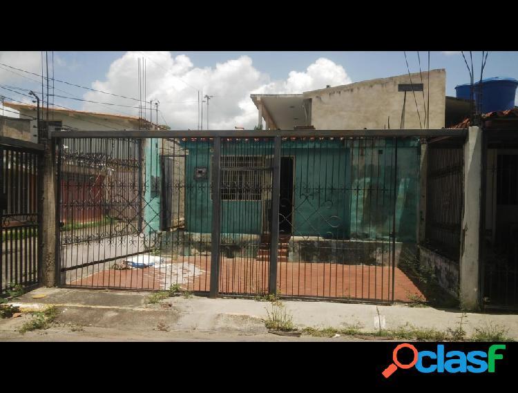 Casa con 3 habitaciones en la puerta rah: 19-13379