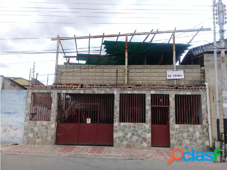 Casa barrio libertador, maracay-edo. aragua