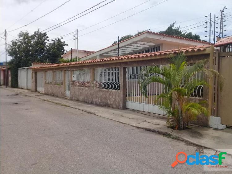 Venta de casa al oeste de barquisimeto.nlg1915812