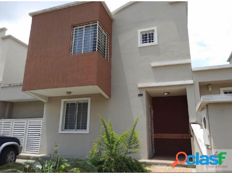En venta hermosa casa en barquisimeto