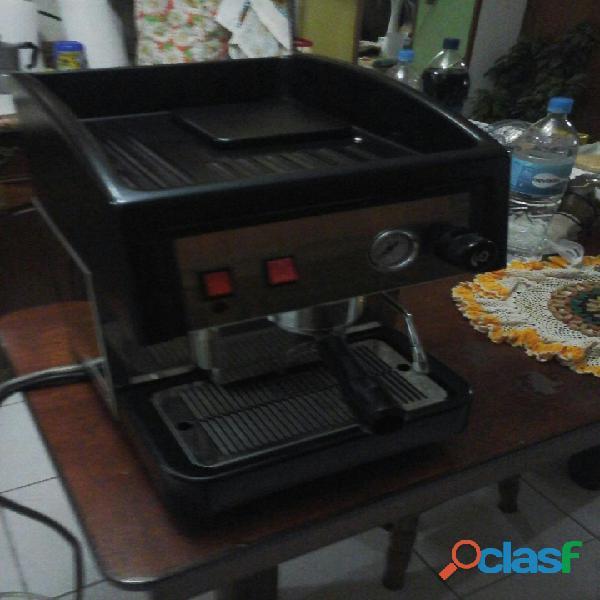 Vendo astoria compact ck máquina de café expreso semiautomática con un grupo de preparación