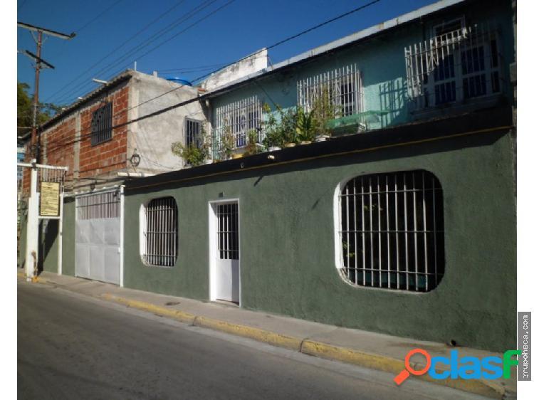 Casa urbanización villa maría, maracay.