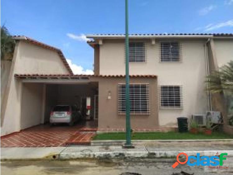 Renatahouse lara vende espectacular casa
