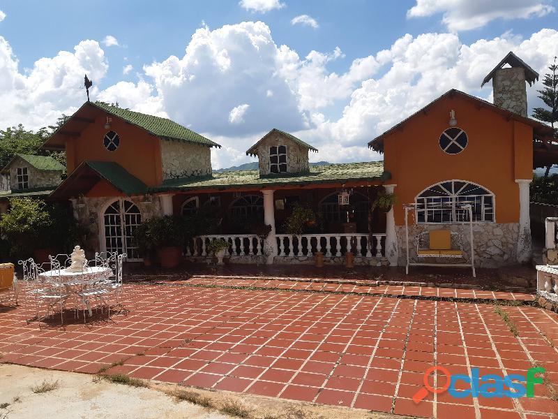 Casa en venta en las morochas, san diego foa 585