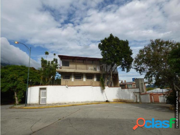 Casa en Venta Las Palmas MP3 MLS19-15614