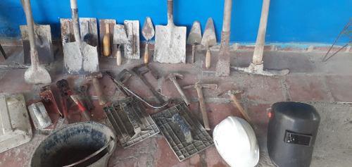Herramientas para construcción albañil plomería etc
