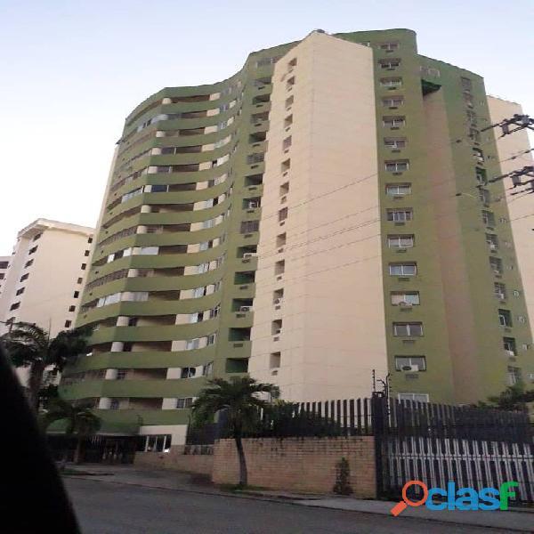 Apartamento en alquiler de 130m2 en urbanización los mangos, valencia