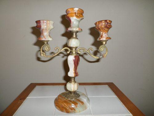 Candelabro de onix y bronce de tres velas