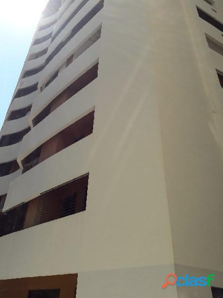 Apartamento de 106m2 en urbanización el parral, código: foa 877