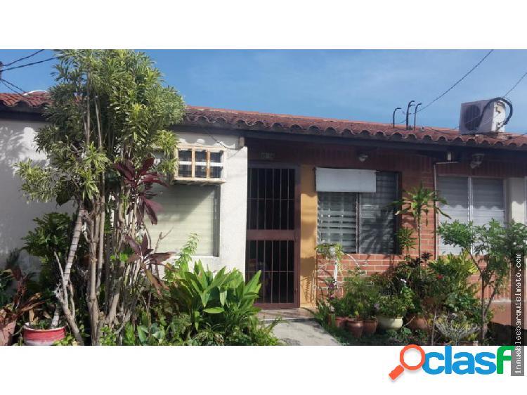 Casa en venta santa rosa 20-2718 rwh