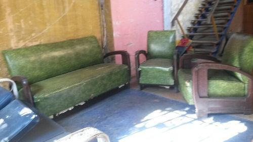 Muebles antiguos de caoba oscura. estilo art-deco.
