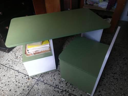 Muebles para niños escritorio y repisa