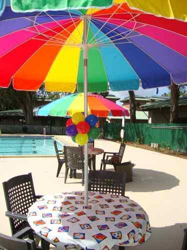 Sombrilla de mesa o playa diámetro 2.10cm altura 2.25cm k1