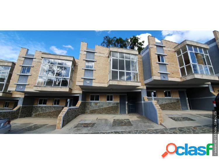 En Venta TownHouse de 175m2 Colinas de Guataparo