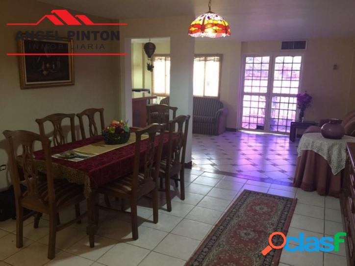 Villa cerrada en venta en el pilar maracaibo api 142