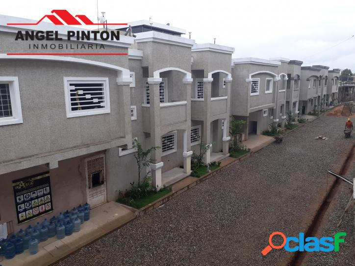 Casa en venta calle vargas ciudad ojeda api 2581