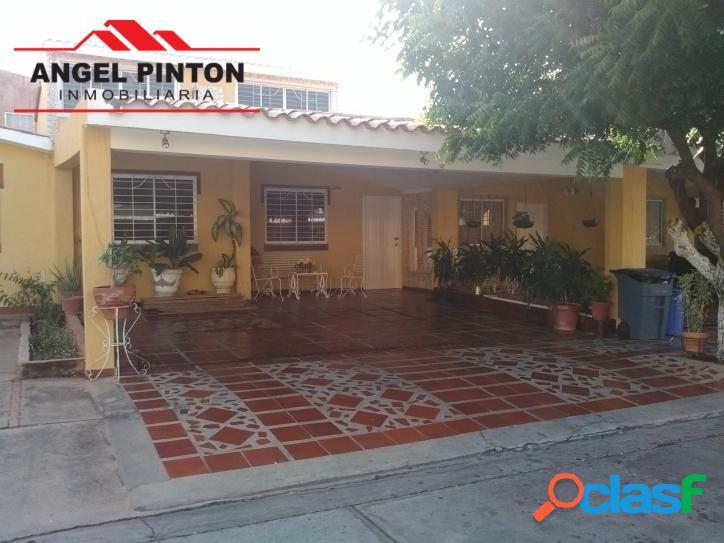 Townhouse venta amparo maracaibo api 3846