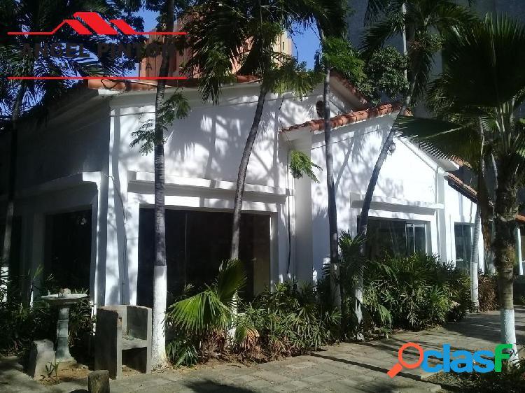 CASA COMERCIAL ALQUILER LA LAGO MARACAIBO API 3940