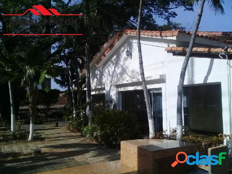 CASA COMERCIAL ALQUILER LA LAGO MARACAIBO API 3940 1