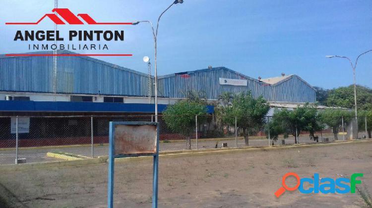 Galpón alquiler zona industrial sur maracaibo api 4033