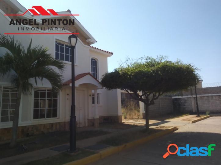 Casa venta av dr paul moreno maracaibo api 4238