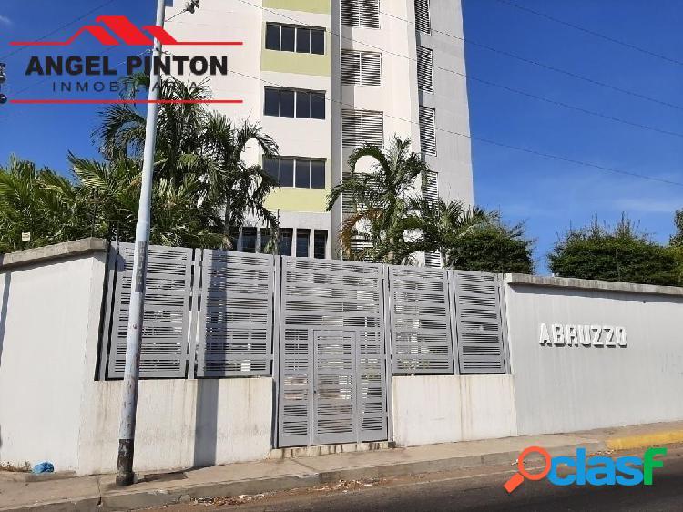 Apartamento venta av falcon maracaibo api 4683