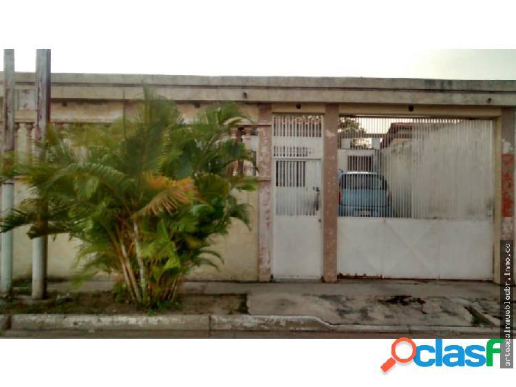 Arteaga inmuebles vende casa el saman guacara