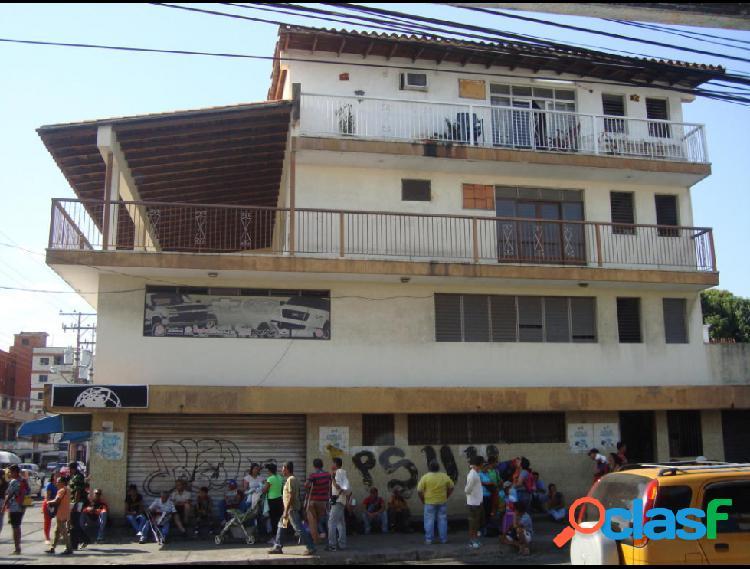 Se vende local centro rah: 20-803