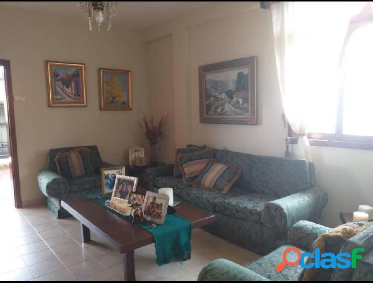 RAH: 19-13906. Casa en venta en Santa Rosa