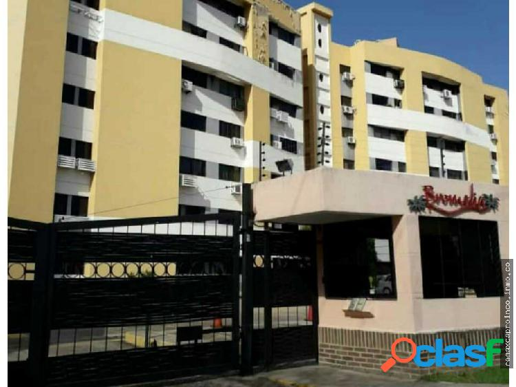 En venta apartamento urbanizacion tazajal.