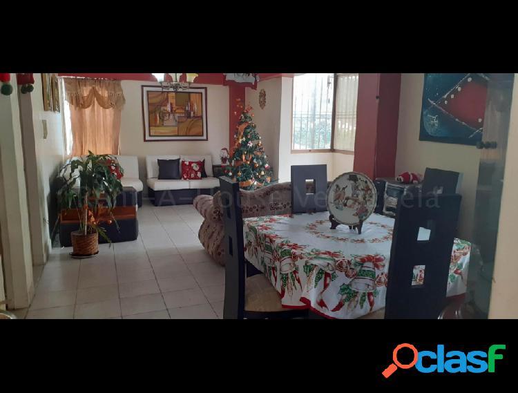 Se vende apartamento las acacias rah: 20-8555