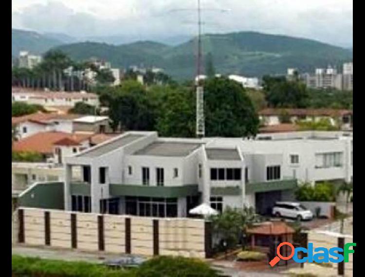 Ey vende casa colinas de santa rosa c:: 19-2348