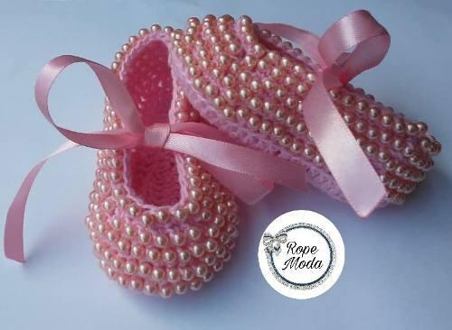 Zapatos escarpines con perlas para bebes tejidos y decorados