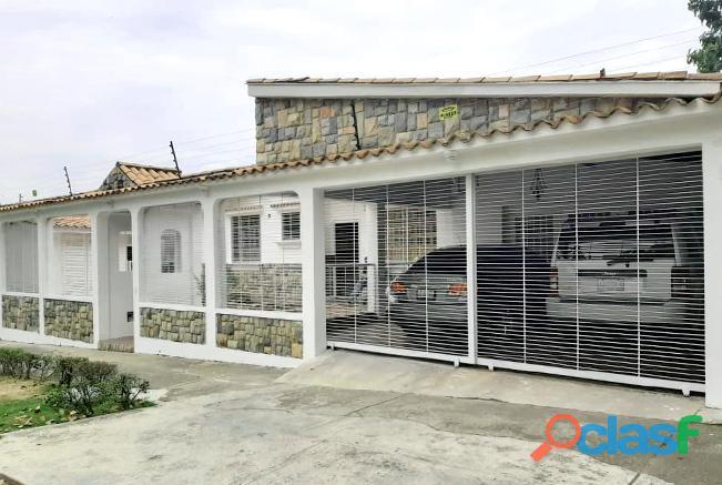 Rosangela Mendoza Vende Casa 175 M2 Urb. El Parral   RCS19