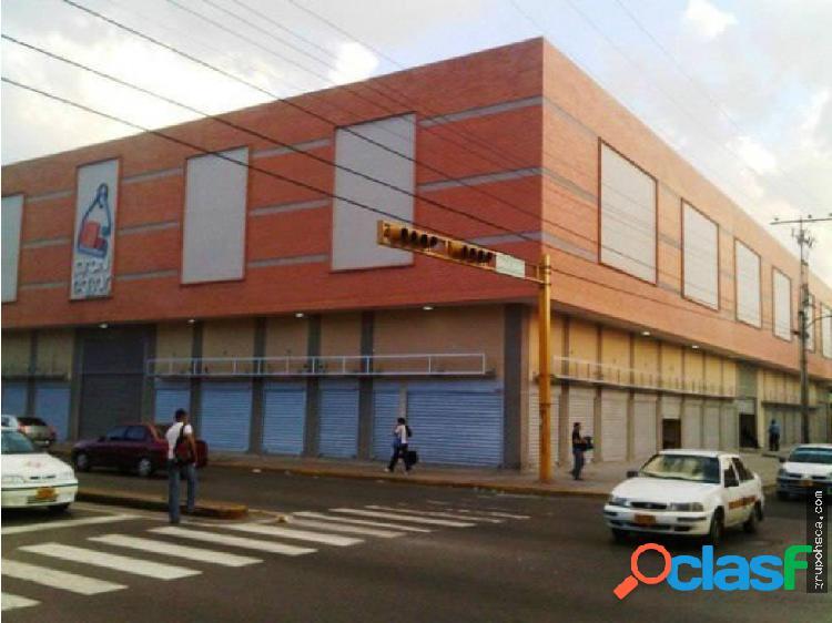 """Local comercial en el c.c. """"gran bazar"""". maracay"""